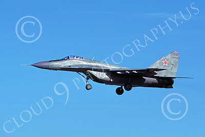 MiG-29 00020 A landing green Soviet Air Force Mikoyan-Guryevich MiG-29 Fulcrum jet fighter 1991 military airplane picture by Wilfried Zetsche