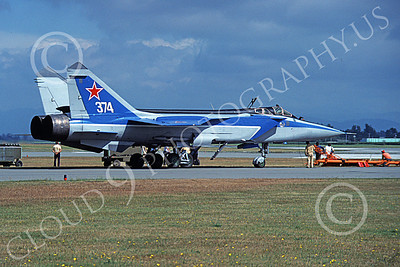MiG-31 00009 A static Mikoyan-Guryevich MiG-31 Foxhound Soviet Air Force 374 8-1991 military airplane picture by Kenny Johanson
