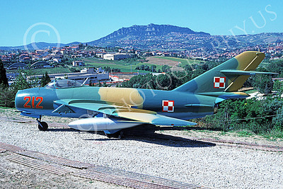 MiG-17 00015 A static Mikoyan-Guryevich MiG-17 Fresco Polish Air Force 213 6-1994 military airplane picture by Wilfreid Zetsche