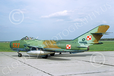 MiG-17 00013 A static Mikoyan-Guryevich MiG-17 Fresco Polish Air Force 527 6-1991 military airplane picture by H J van Broekhulzen