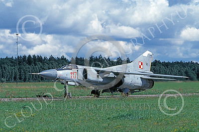MiG-23 00077 A taxing MiG-23 Flogger Polish Air Force 117 9-1999 military airplane picture by Gene MacDonald