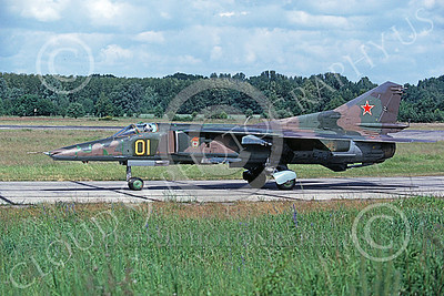 MiG-23 00037 A taxing Mikoyan-Guryevich MiG-23 Flogger Soviet Air Force 01 6-1992 military airplane picture by Wilfried Zetsche