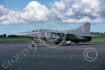 MiG-23UB 00019 A taxing MiG-23UB Flogger Polish Air Force 831 9-1999 military airplane picture by Gene MacDonald