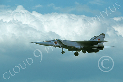 MiG-25 00016 A landing two seat MiG-25 Foxbat Soviet Air Force 01 5-1992 military airplane picture by Wilfried Zetsche