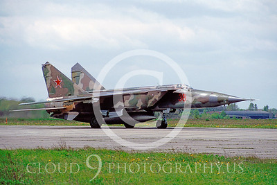 MiG-25 00003 Mikoyan-Gureyvich MiG-25 Foxbat Soviet May 1991 by Wilfried Zetsche AirDOC Collection