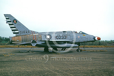 F-100Forg 00007 A static North American F-100 Super Sabre Twaianese Air Force 31639 1-1990 military airplane picture by P Steinemann