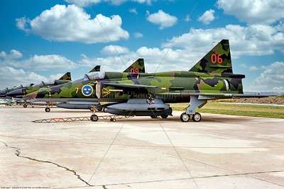 Viggen 010 A line up of static green cam SAAB Viggens, Swedish Air Force jet fighters, 8-1975 Satenas, military airplane picture by Stephen W  D  Wolf   CCC_0684   Dt