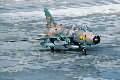 Su-17 00037 A taxing Sukhoi Su-17 Fitter Soviet Air Force 23 9-1991 military airplane picture by Wilfried Zetsche