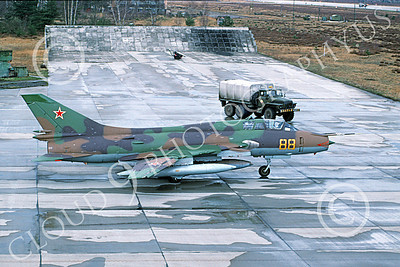 Su-17 00027 A static Sukhoi Su-17 Fitter Soviet Air Force 88 8-1989 military airplane picture by Wilfried Zetsche