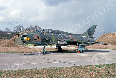 Su-22 00039 A static Sukhoi Su-22 Fitter German Air Force 25 50 4-1993 military airplane picrture by David Barnabas