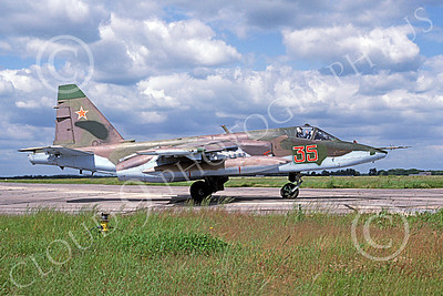 SU-25 00021 A taxing Sukhoi Su-25 Frogfoot Soviet Air Force 35 6-1993 military airplane picture by Jan Jorgensen