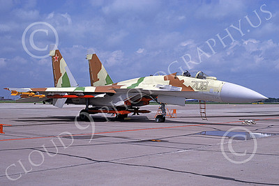 Su-35 00001 A static Sukhoi Su-35 Flanker Soviet Air Force 709 military airplane picture with missiles 6-1994 by Rainer Muller