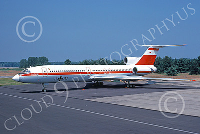 Tu-154 00015 A static Tupolev Tu-154 Careless German Air Force 11 01 7-1991 military airplane picture by H J van Broekhulzen