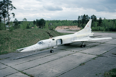 Tupolev Tu-22M Backfire 00005 A static Soviet Air Force Tupolev Tu-22M Backfire strategic bomber 5-1990, by Wilfried Zetsche