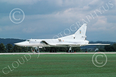 Tupolev Tu-22M Backfire 00003 A taxing low vis gray Tupolev Tu-22M Backfire jet bomber 9-2000 by Wilfried Zetsche 2nd try
