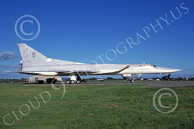 Tupolev Tu-22M Backfire 00002 A static low vis gray Tupolev Tu-22M Backfire jet bomber 7-1998, by Wilfried Zetsche
