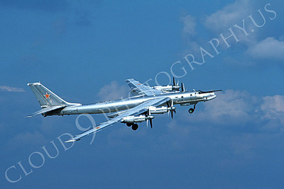 Tupolev Tu-95 00010 An in-flight Soviet Air Force Tupolev Tu-95 Bear strategic bomber banks to turn right, 9-1993, by Wilfried Zetsche