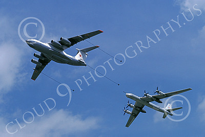 Il-76 00020 A flying Ilyushin Il-76 Candid Soviet Air Force refuels a Tupolev Tu-95 Bear bomber 7-1993 military airplane picture by Paul Stone