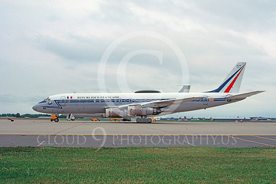 Douglas DC-8Forg 00003 Douglas DC-8F French Air Force 45692 by Ray Leader