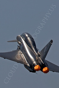 AB - Typ 00064 Eurofighter Typhoon British RAF by Tony Fairey