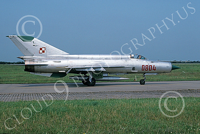 MiG-21 00071 A taxing MiG-21 Fishbed jet fighter Polish Air Force 0804 7-1998 military airplane picture by Kenneth Twitchell