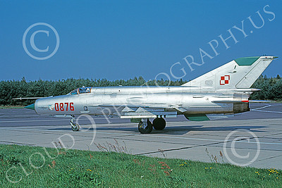 MiG-21 00077 A taxing MiG-21 Fishbed jet fighter Polish Air Force 0876 7-1998 military airplane picture by Duane Briggs