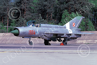 MiG-21 00073 A static MiG-21 Fishbed jet fighter Polish Air Force 1904 7-1998 military airplane picture by Daniel Deavers