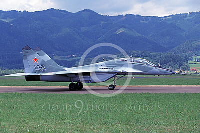 MiG-29UB 00019 A taxing Mikoyan-Guryevich MiG-29UB Fulcrum jet fighter Soviet Air Force 139 4-1994 military airplane picture by Wilfreid Zetsche