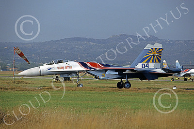 SU-27 00017 A taxing Sukhoi Su-27 Flanker Soviet Air Force 04 6-1992 military airplane picture 9-1992 by Paul Bannwarth