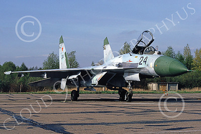 Su-27 00005 A static Sukhoi Su-27 Flanker Soviet Air Force 24 6-1992 military airplane picture by Wilfreid Zetsche