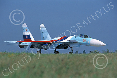 SU-27 00019 A taxing Sukhoi Su-27 Flanker Soviet Air Force 04 6-1992 military airplane picture 8-2001 by Ben Whittington