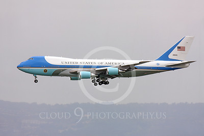 VC-25A 00005 A fine side profile of a flying USAF VC-25A, 28000, a Boeing 747-200B, aka Air Force One, on final approach to land at SFO on 20 April 2011, military airplane picture, by Peter J Mancus