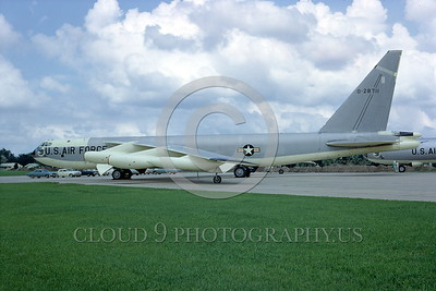 B-52 0013 A static bare metal USAF SAC Boeing B-52B Stratofortress jet bomber 28711 12-1967 military airplane picture by Peter B Lewis