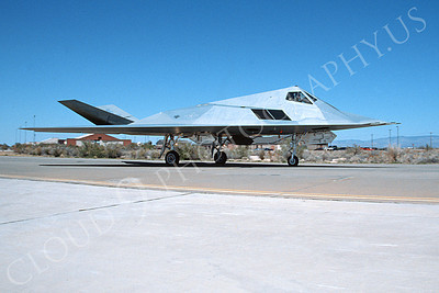 F-117 00015 A taxing Lockheed F-117 Nighthawk USAF 4-2004 rare color scheme airplane picture by Jon Ellsworth