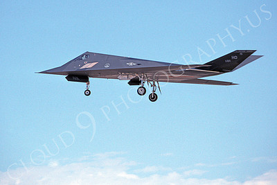F-117 00026 A landing Lockheed F-117 Nighthawk USAF 811 HO code 8-1996 airplane picture by Michael Grove, Sr