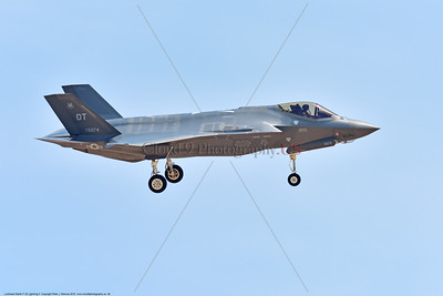F-35USAF 0026 A landing Lockheed Martin F-35 Lightning II USAF stealth jet fighter 135074 OT code 7-2016 military airplane picture by Peter J  Mancus