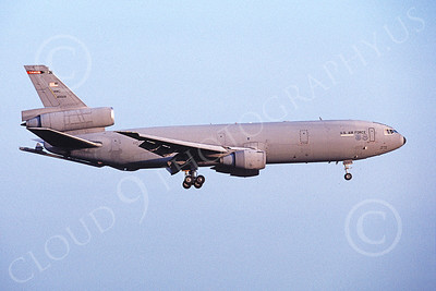 KC-10USAF 00020 A landing McDonnell Douglas KC-10 Extender USAF 60029 4-1999 military airplane picture by Michael Grove, Sr
