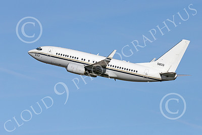 C-40USN 00010 A flying Boeing C-40 Clipper USN 5833 without markings 1-2015 military airplane picture by Peter J Mancus