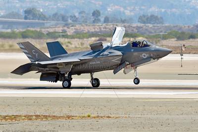 F-35B-VMFA-211 00005 A Lockheed Martin F-35B Lightning II USMC 168840 stealth jet fighter VMFA-211 AVENGERS CF code VSTOL landing MCAS Miramar 9-2016 military airplane picture by Peter J  Mancus