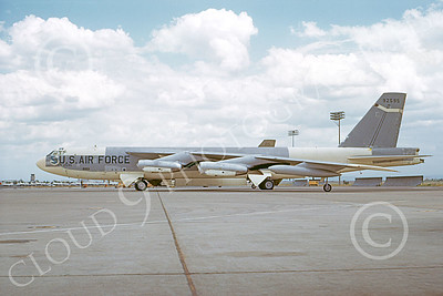 B-52 00091 A static bare metal USAF SAC Boeing B-52G Stratofortress jet bomber 92595 Mather AFB 11-1969, by Peter B Lewis 2nd try