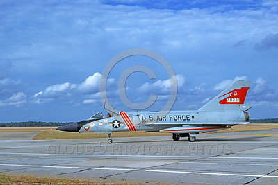 F-106AUSAF-87thFIS 0001 A taxing Convair F-106A Delta Dart USAF 570231 Cold War era Century Series fighter-interceptor 87th FIS RED BULLS Bicentennial markings Tyndall AFB 11-1976 military airplane picture by L  B  Sides     DONEwt