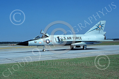 F-106AUSAF 00083 A taxing Convair F-106A Delta Dart USAF 90057 318th FIS GREEN DRAGONS Tyndall AFB 10-1984 military airplane picture by Ray Leader