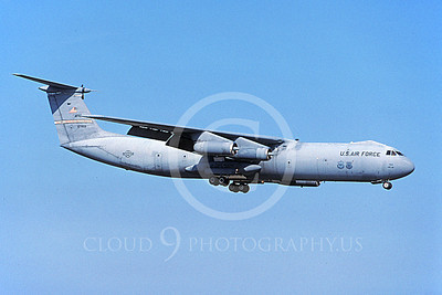 C-141BUSAF 00020 A landing Lockheed C-141B Starlifter USAF 67959 Wright-Patterson 3-2003 military airplane picture by Michael Grove, Sr