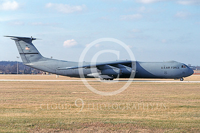 C-141BUSAF 00029 A taxing Lockheed C-141B Starlifter USAF 40627 AMC 12-1993 military airplane picture by Scott Van Aken
