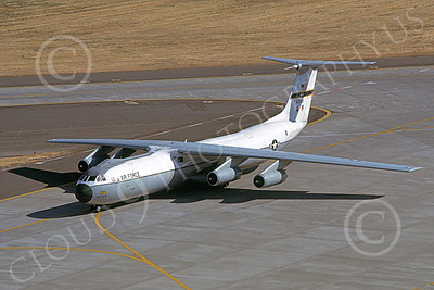 C-141BUSAF 00011 A taxing USAF Lockheed C-141B StarLifter 60139 MCAS Yums 7-1985 military airplane picture by Peter J Mancus