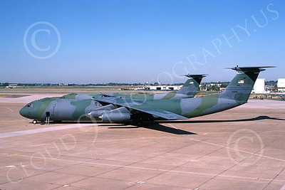 C-141BUSAF 00025 A static USAF Lockheed C-141B StarLifter 60139 11-1994 military airplane picture by Douglas D Olson