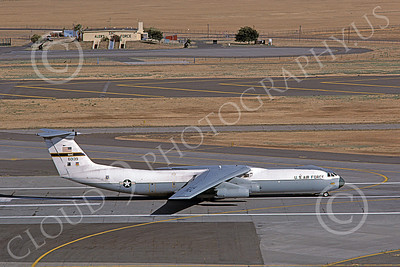 C-141BUSAF 00014 A taxing USAF Lockheed C-141B StarLifter 60139 Travis AFB 7-1988 military airplane picture by Carl Porter