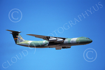 C-141BUSAF 00022 A flying USAF Lockheed C-141B StarLifter 60168 3-1996 military airplane picture by Peter J Mancus