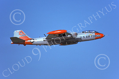 B-57USAF 00009 A flying gray-orange USAF Martin B-57 Canberra 54263 6-1975 military airplane picture by Michael Grove, Sr