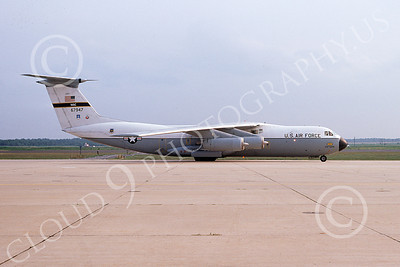 C-141AUSAF 00001 A taxing USAF Lockheed C-141A StarLifter 67947 438tth MAW McGuire AFB 7-1974 military airplane picture by Don Spering